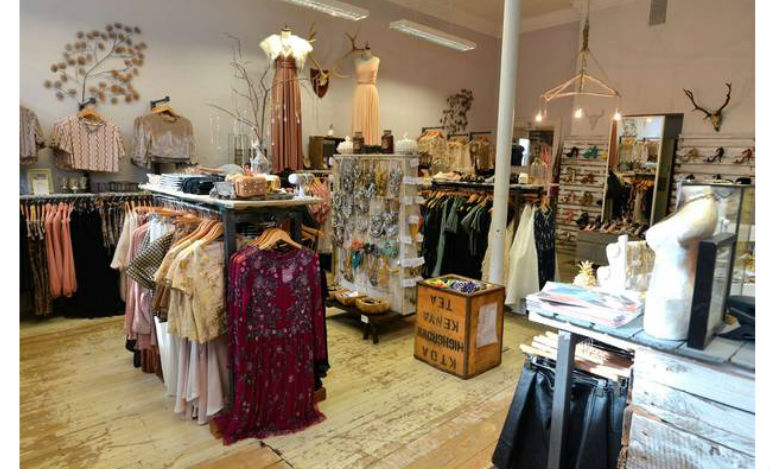 Top 7 Shops to Buy Wedding and Races Accessories